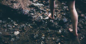 Barefoot Hiking! Camminare scalzi nella natura. - Attrezzatura Trekking